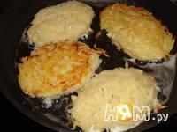 Приготовление котлет из картофеля с начинкой: шаг 5