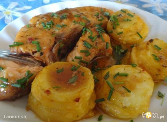 Сёмга в медовом соусе с картофельными башенками