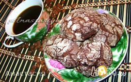 Очень шоколадное печенье «с трещинками»