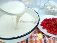 Приготовление дрожжевых блинов с кремом: шаг 3