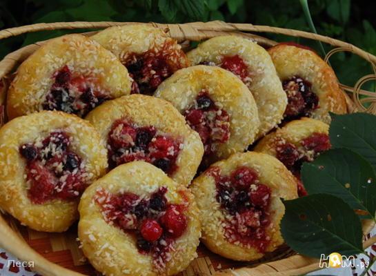 Рецепт Сырные плюшки с ягодами