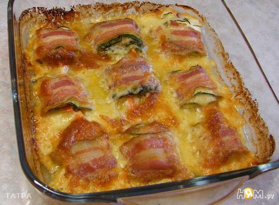 Рецепт Кабачки запеченые с морковью,сыром,беконом