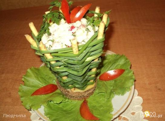 Корзинка с салатом
