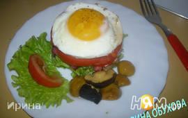 Яичница с беконом и креветками