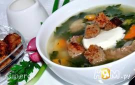 Суп со шпинатом и чесночными гренками