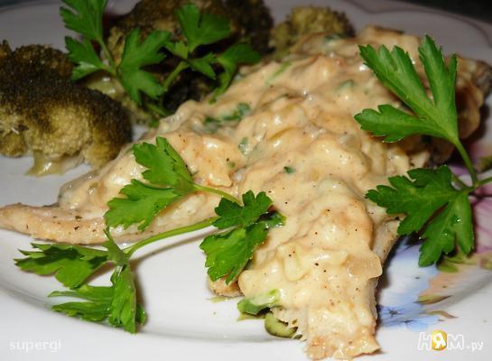 Рыба на пару под луково-горчичным соусом