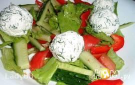 Овощной салатик с шариками