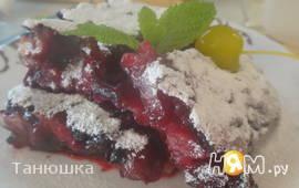 Вишнёво-черничный пудинг из жидкого теста