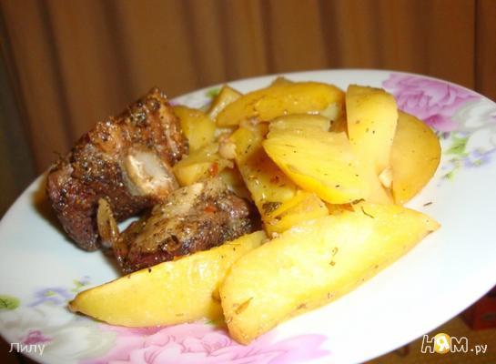 Рецепт Свиные ребрышки с картофелем, запеченные в рукаве