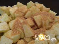 Приготовление яблочной шарлотки: шаг 8