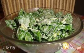 Салат с черемшой и яйцами