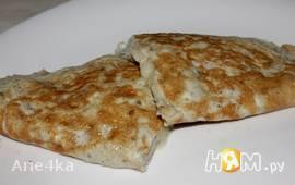 Омлет с грушей и сыром Дор блю