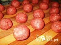 Приготовление запеканки картофельной с фрикадельками: шаг 2