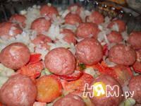 Приготовление запеканки картофельной с фрикадельками: шаг 6