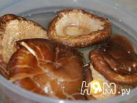 Приготовление зимнего супа с шиитаке: шаг 2