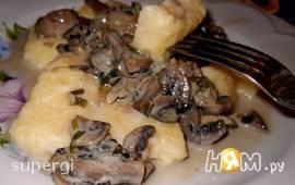 Картофельные ньокки с грибной подливкой