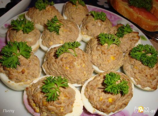 Фаршированные печеночные яйца