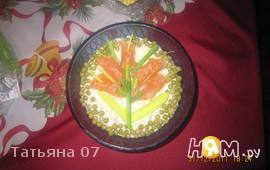 Салат с печенью трески и соленым огурцом