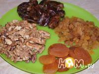 Приготовление фруктово-ореховых шариков: шаг 2