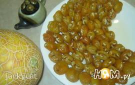 Десерт из абрикосов и орехов