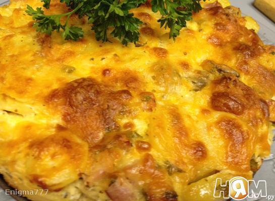 Картофельная запеканка с беконом и грибами