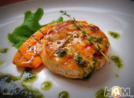 Рецепт Медальон из куриного филе под соусом из тимьяна