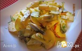 Салат с сельдью, яблоком и картофелем