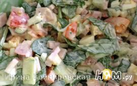 Салат овощной с киви и апельсином