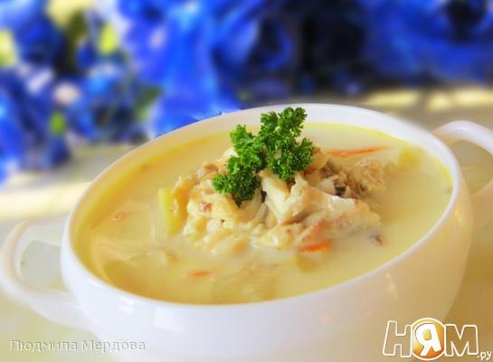 Рыбный суп из пеленгаса   в мультиварке