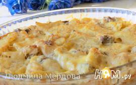 Запечённый картофель с рыбой и грибами