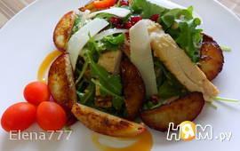 Салат с куриной грудкой и нектарином