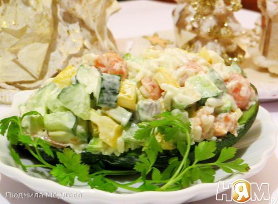 Рецепт Салат с авокадо и форелью