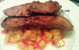 Острая свинина с  ананасово-медовой сальсой