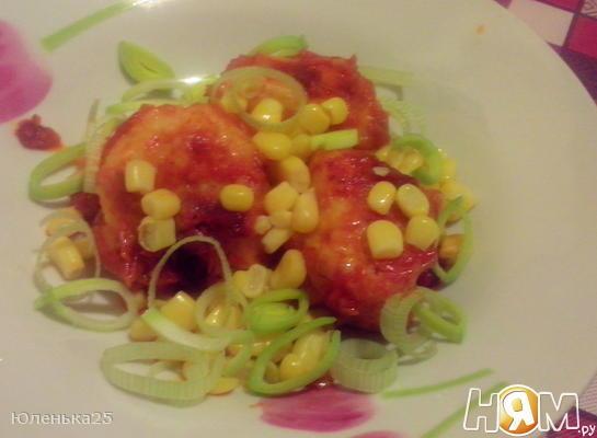 Картофельные клецки в соусе с луком-пореем