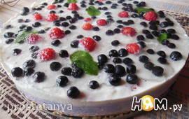Творожный  торт с черникой и малиной