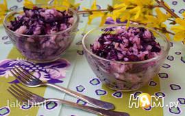 Салат-гарнир с рисом и краснокочанной капустой