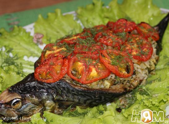 Рецепт Запеченная скумбрия фаршированная рисом и овощами