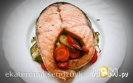 Стейк из семги на овощной подушке