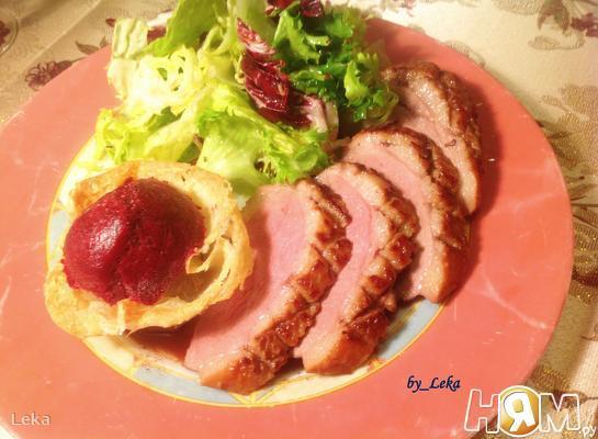 Утиное филе с лавандово-смородиновым сорбетом