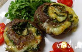 Мясные рулеты с сыром проволоне и шпинатом