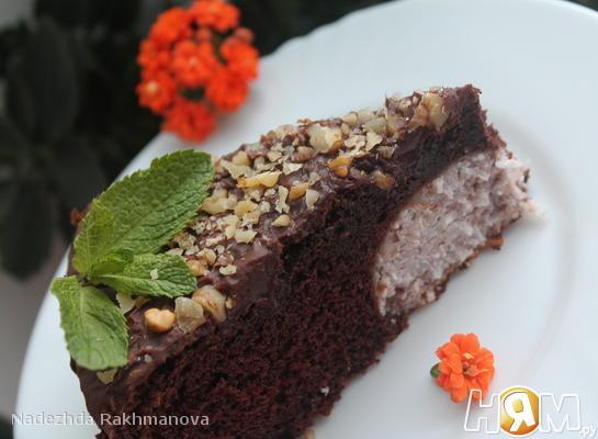 Шоколадный пирог с творожной начинкой!