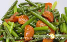 Чесночные стрелки с морковью в мультиварке