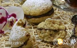 Печенье ореховое  с шоколадной начинкой