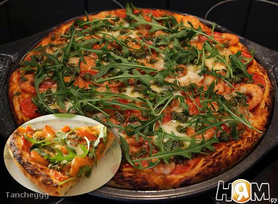Рецепт Пицца с креветками и рукколой
