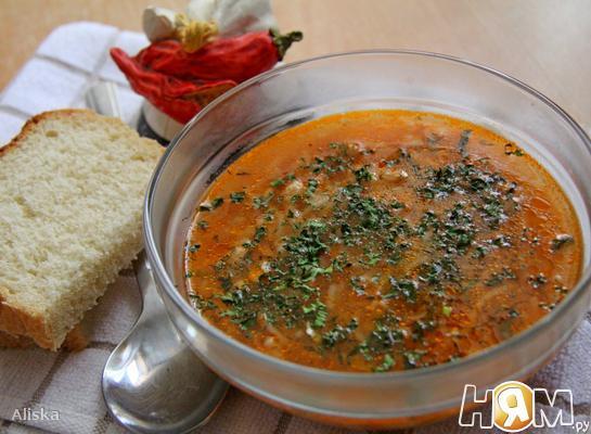 Томатный суп с куриным фаршем и макаронами