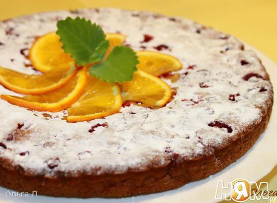 Постный апельсиновый пирог с клюквой
