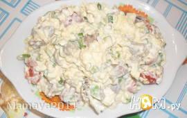 Салат с куриными сердечками и помидорами черри