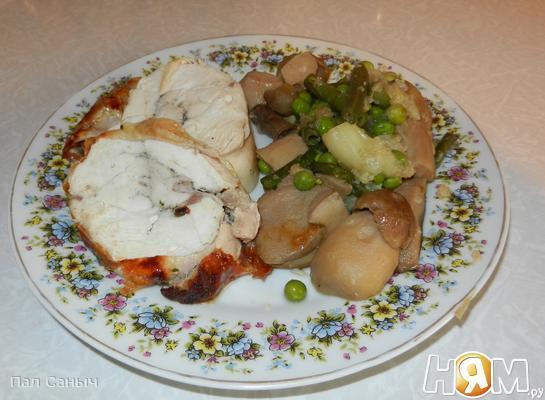 Рецепт Куриный рулет с белыми грибами и овощами