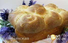 Сдобный хлеб с узором