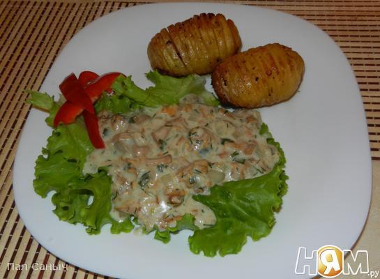 Рецепт Запеченый картофель с лисичками в сырном соусе